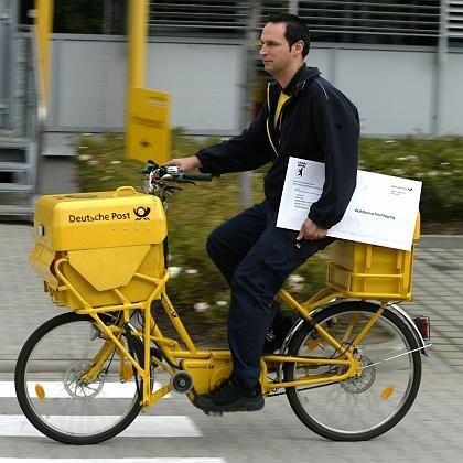 Postbote in Berlin: Partielle Ausfällen und Zustellabbrüche