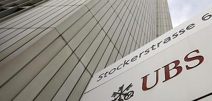 """UBS in Zürich: """"Kapitulation gegenüber den USA"""""""