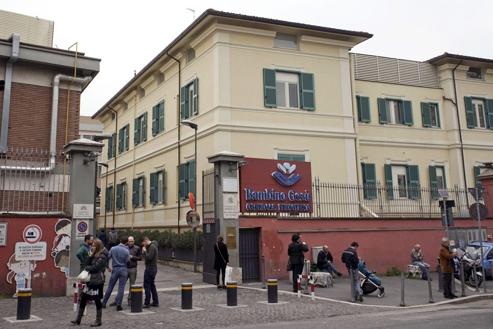 Tarcisio Bertone Bambino Gesu Krankenhaus