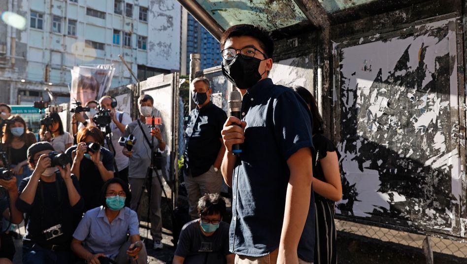 Der Demokratieaktivist Joshua Wong hatte auf Facebook seinen Rücktritt als Generalsekretär der Partei Demosisto verkündet