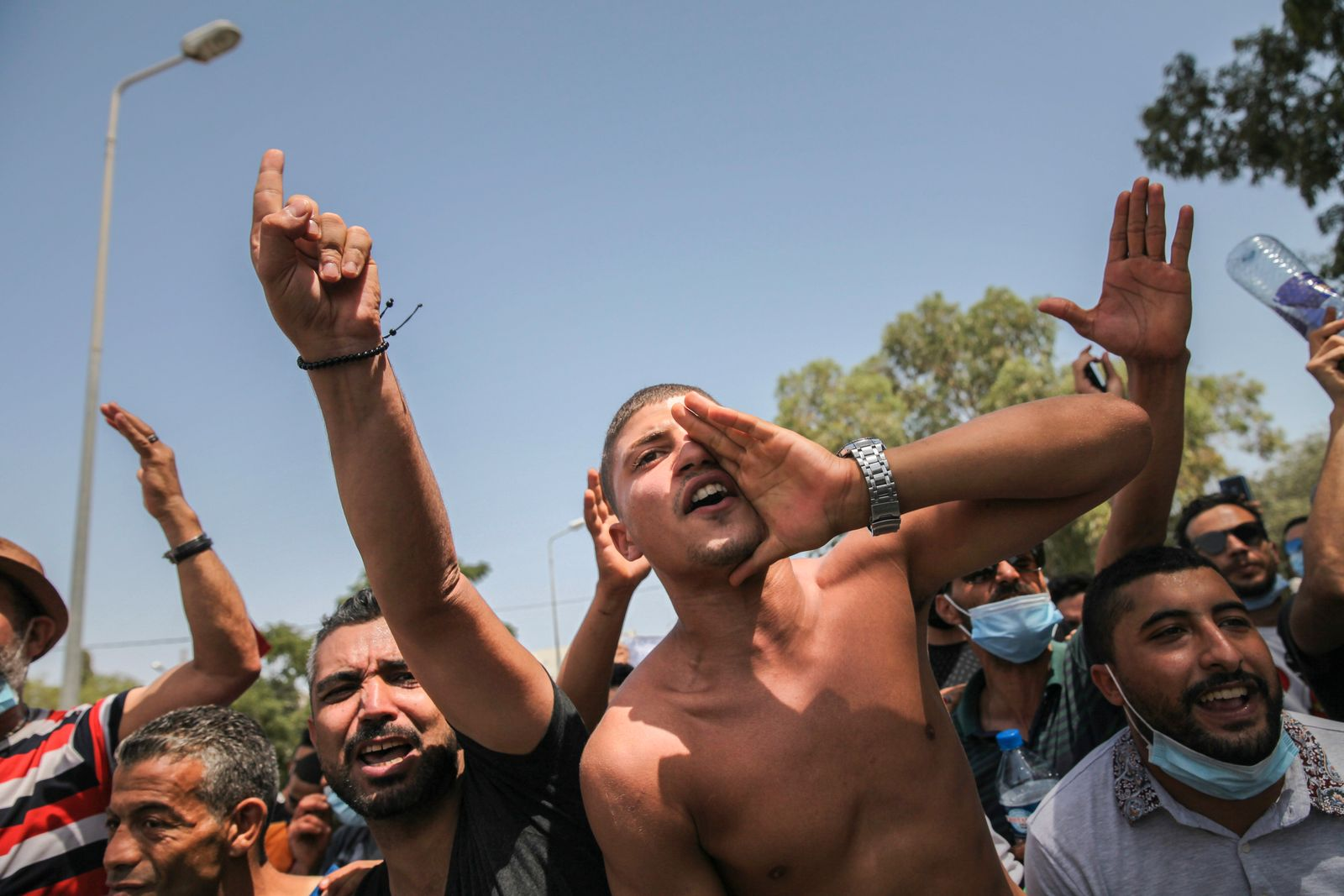 Supporters Of Tunisian President Demonstrate In Front Of The Parliament In Tunis