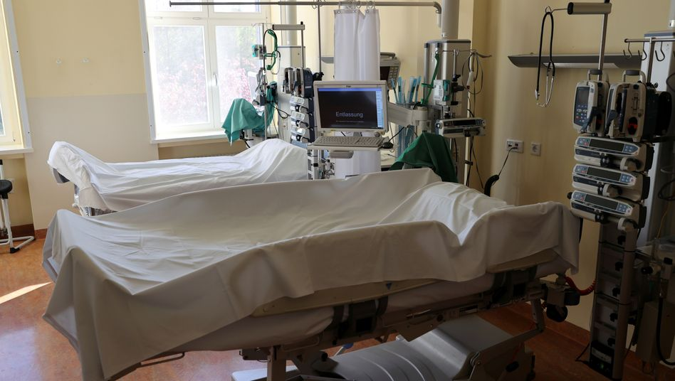 Intensivstation für Covid-19-Patienten in einem Krankenhaus in Berlin: Knapp 14.300 Intensivbetten in Deutschland sind aktuell frei