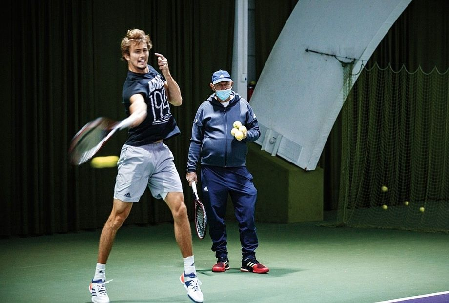 "Zverev training in Hamburg with his father: ""I have the feeling that my son was cheated."""