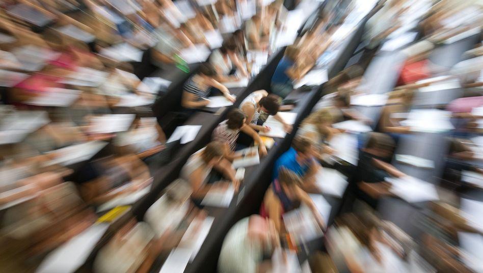 Neue Schätzung: Kultusminister sagen zusätzliche 750.000 Erstsemester voraus