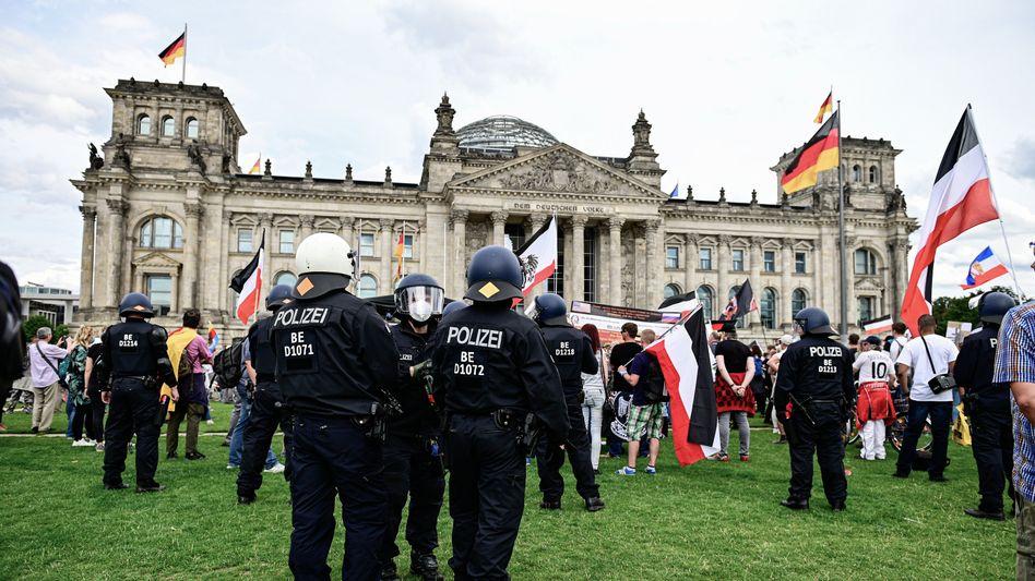 Coronaprotest vor dem Bundestag im August 2020