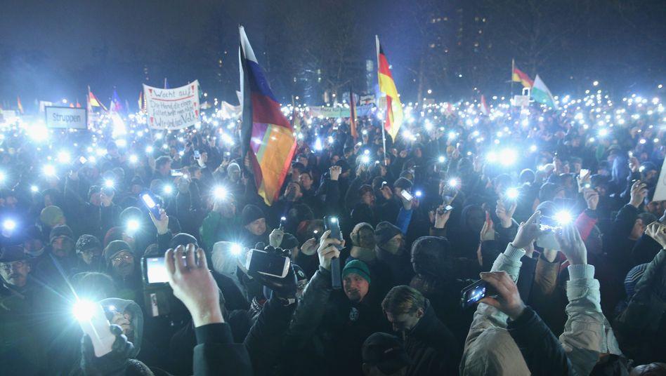 """Pegida-Proteste: """"Muss eine solche Tragödie etwa erst in Deutschland passieren?"""""""