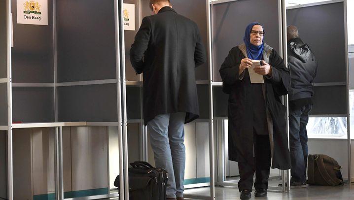 Niederlande: Wahllokale eröffnet