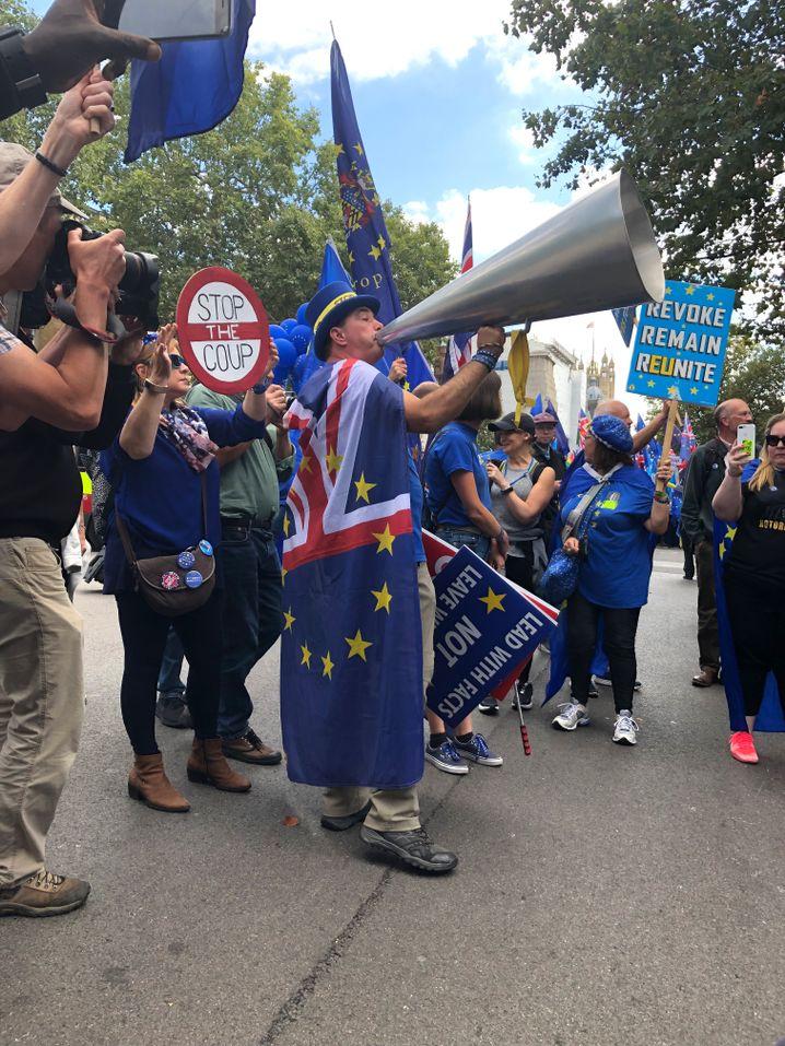 """Brexit-Gegner: """"Stoppt den Putsch!"""""""