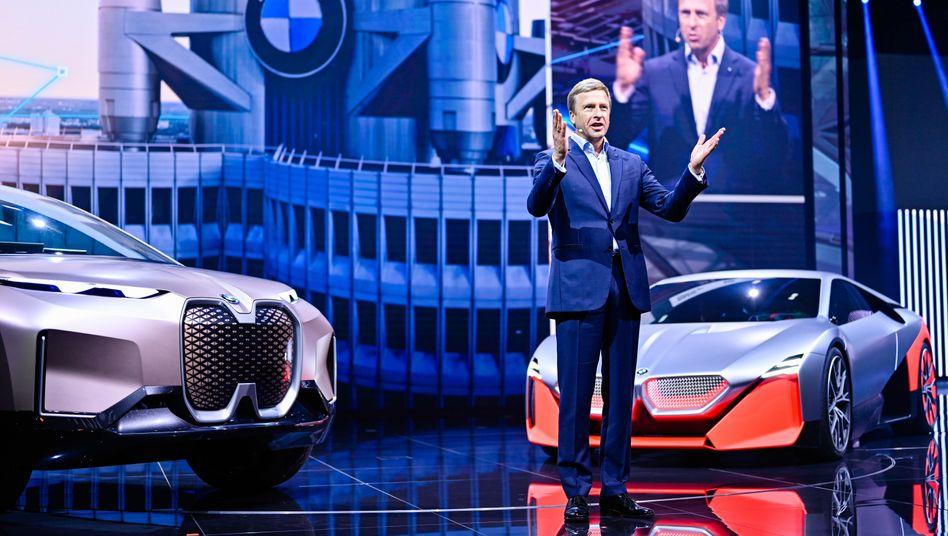 BMW-Chef Zipse äußert sich skeptisch zum Auto