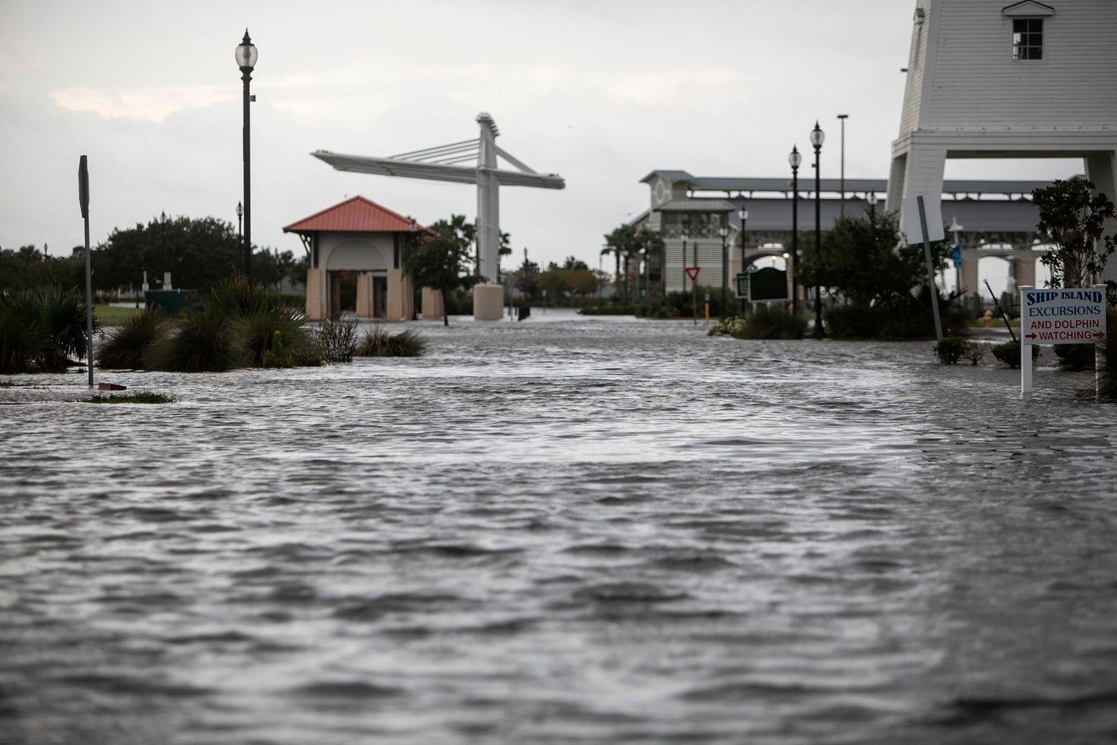 """Hurrikan """"Ida"""" bedroht die US-Golfküste"""