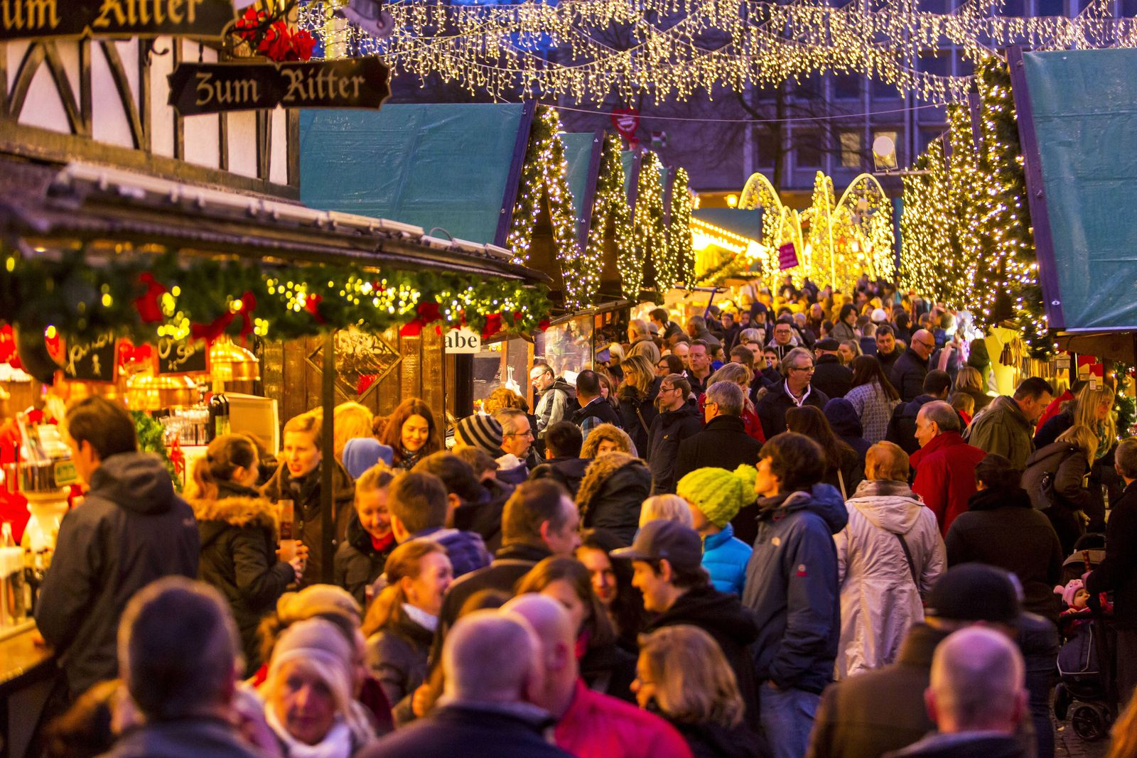 EINMALIGE VERWENDUNG fWeihnachten / Fußgängerzone