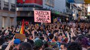 Tausende Menschen protestieren nach mutmaßlich homophobem Hassverbrechen