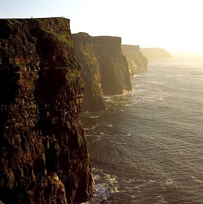 Cliffs of Moher: 215 Meter hohe und fast acht Kilometer lange Felslandschaft