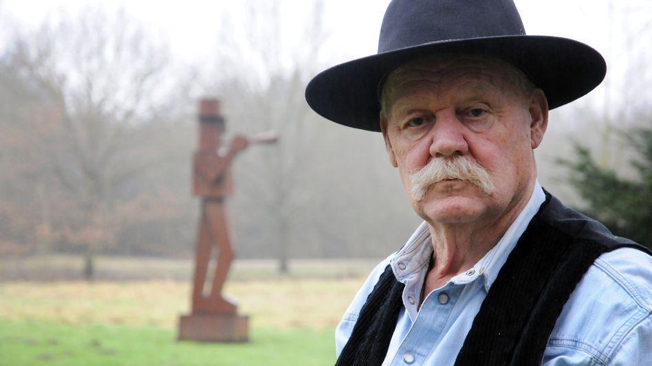 Bildhauer und Maler Anatol Herzfeld