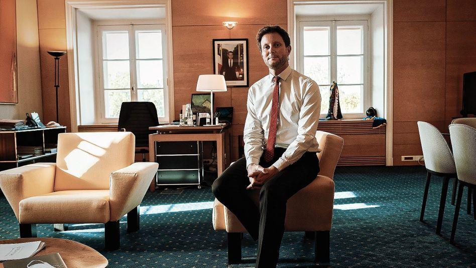 Beamter Beaune in seinem Büro in Paris:Urknall einer neuen Politik