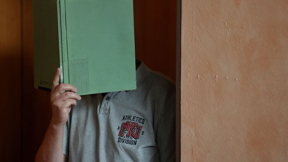 Landgericht Detmold: Heiko V. vor der Urteilsverkündung