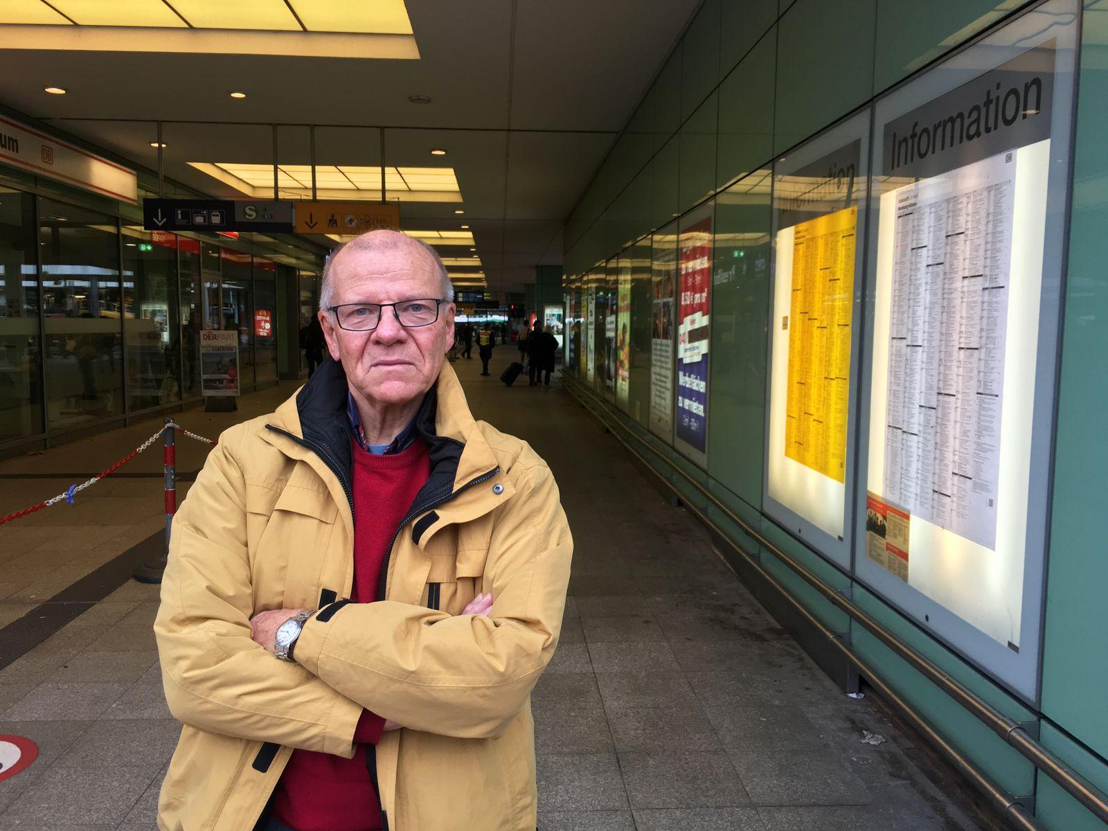 EINMALIGE VERWENDUNG Michael Jung / Prellbock Altona / Bahnhof Altona