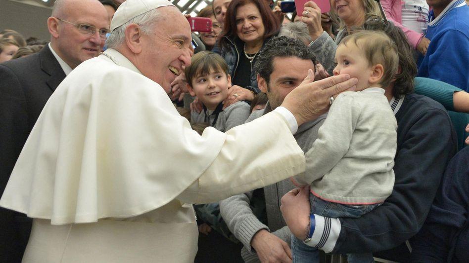 """Der Papst bei einer Generalaudienz im Vatikan: """"Kinder sind ein Geschenk"""""""