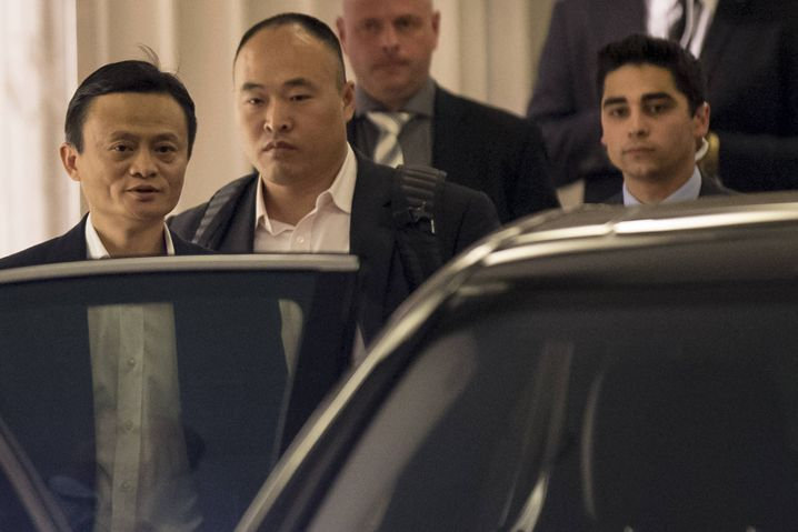 Privater Milliardengewinn: Alibaba-Chef Jack Ma (l.) bei der Roadshow in New York