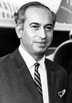 Zulfikar Ali Bhutto: Erster gewählter Premier Pakistans