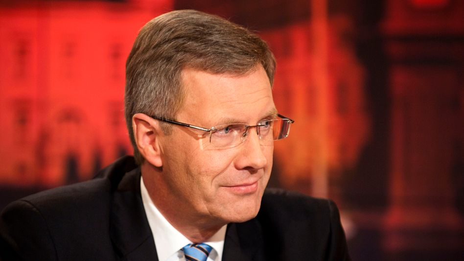 German President Wulff apologized for a heavily criticized phone call to Bild's editor in chief.