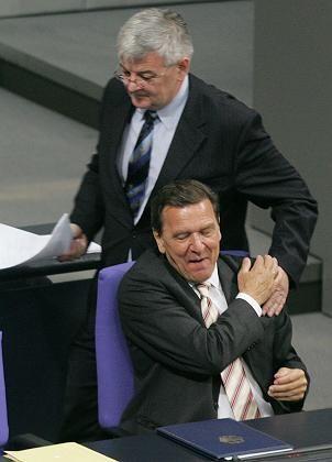 Fischer und Schröder: Der Grüne verschaffte der SPD ein Glücksgefühl
