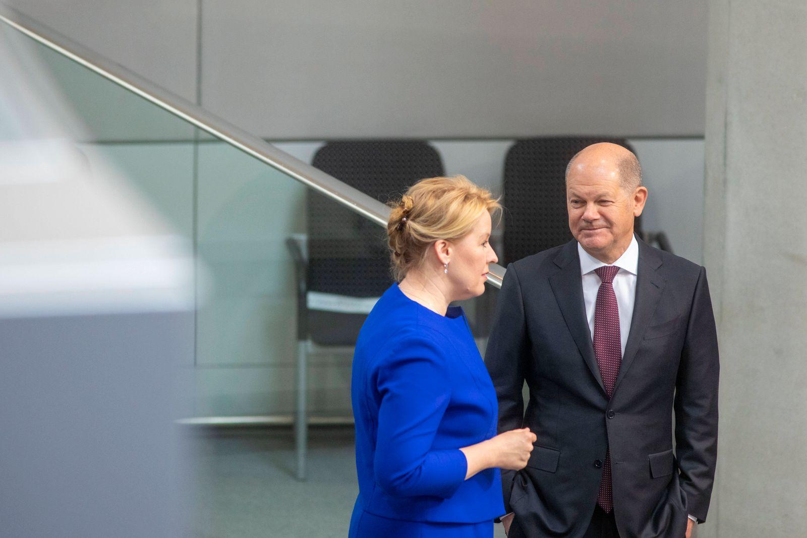 Deutschland, Berlin, Bundestag, 158. Sitzung, Schutz der Bevölkerung bei epidemischer Lage, Familienministerin Franziska