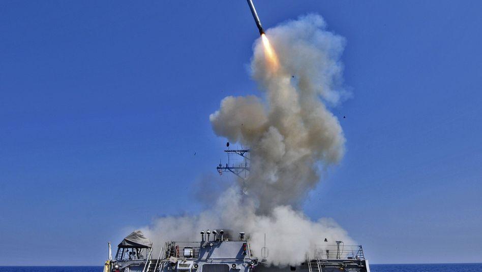 Rakete vom Typ Tomahawk (Archivbild): Die USA greifen Ziele in Syrien an