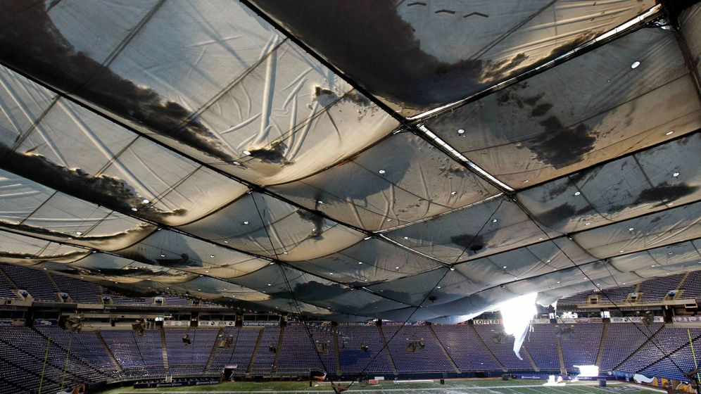 Minneapolis: Dachschaden an Sportarena