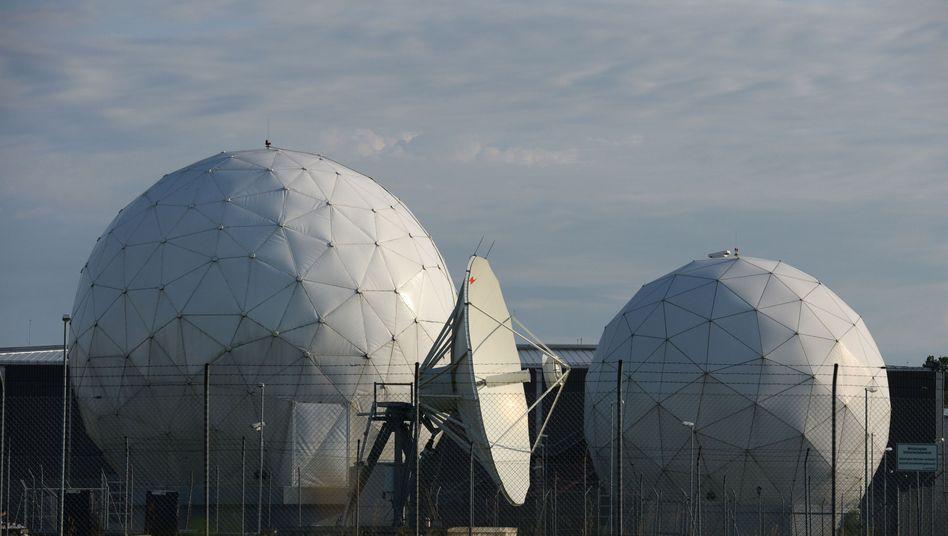 NSA-Abhörbasis in Bad Aibling: Informationen über Wirtschaftsriesen und Politiker