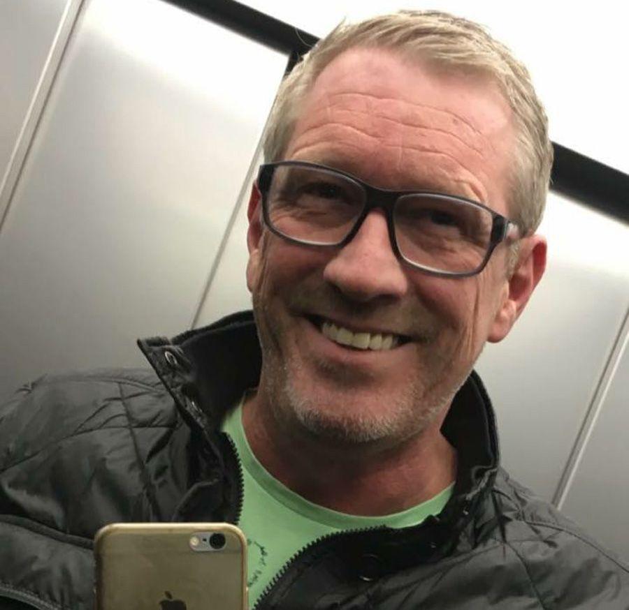 EINMALIGE VERWENDUNG Stefan Gauß/ Cafebesitzer