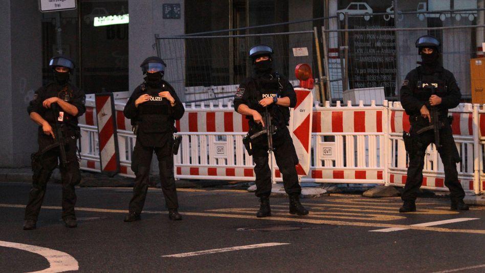 Polizisten beim Antiterroreinsatz in Hagen