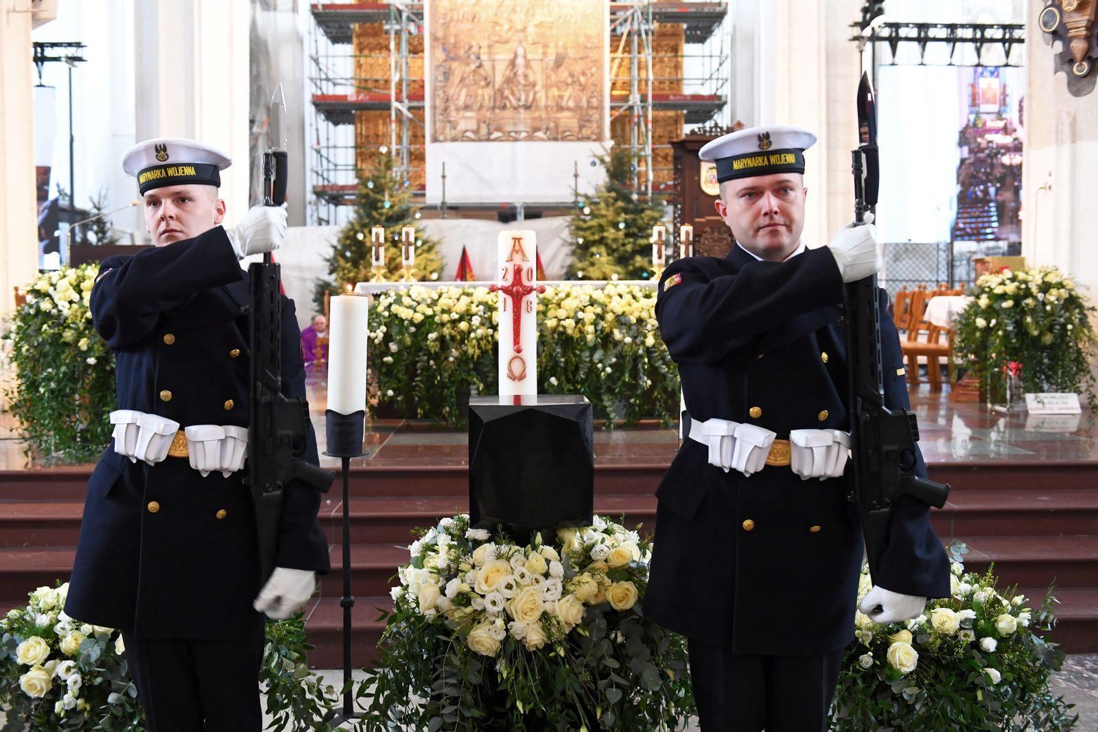 EINMALIGE VERWENDUNG Pawel Adamowicz/ Bürgermeister/ Attentat/ Mord/ Danzig