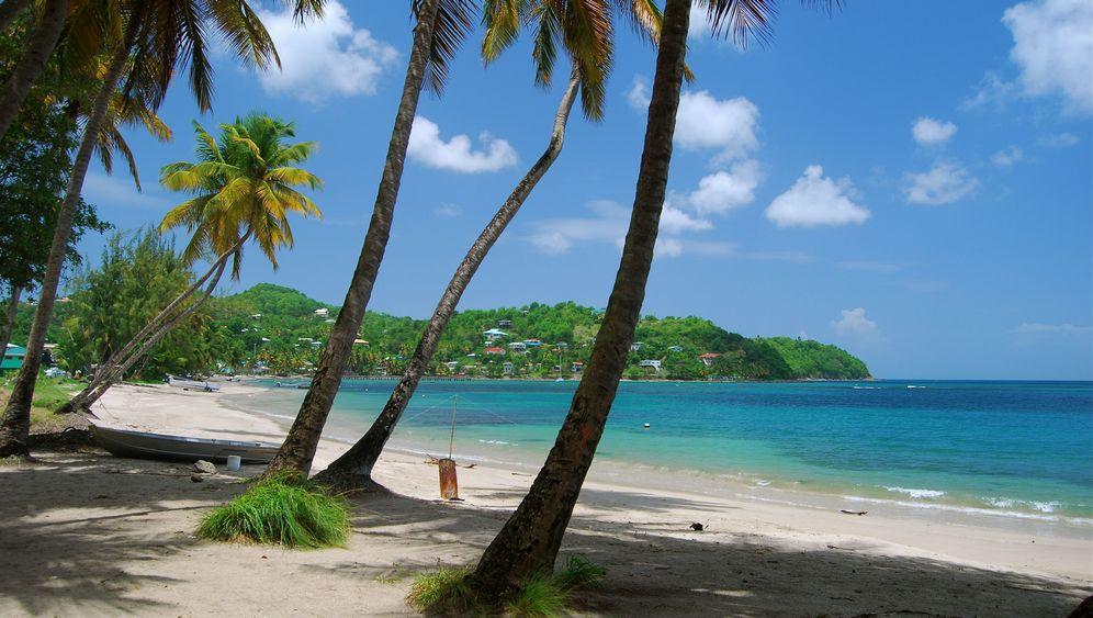 St. Lucia: Per Taxi zum Mund des Wals