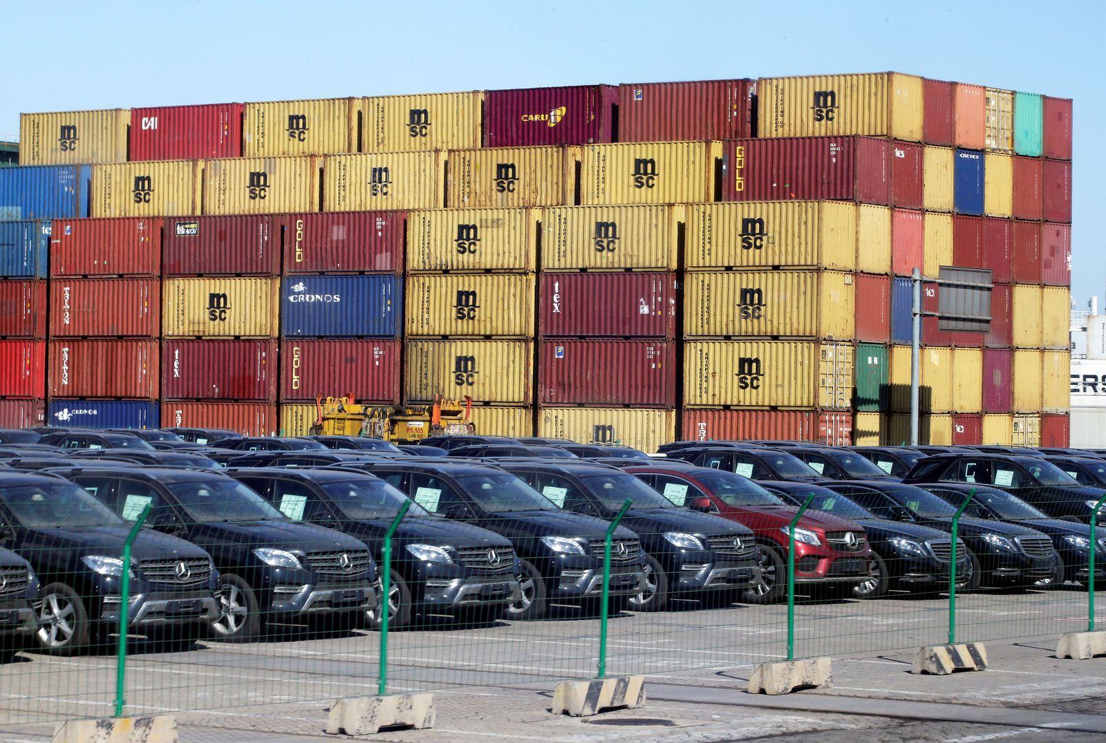 China Import Autos Mercedes