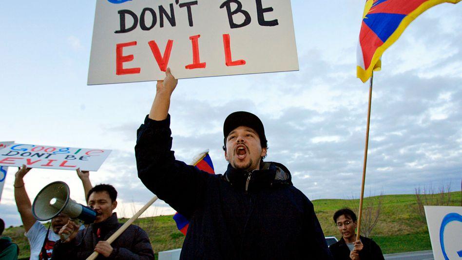 Anti-Google-Protest (Archivbild): David-Charme verloren, Google ist der neue Goliath