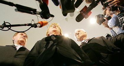 Angela Merkel, Stoiber, Glos: Bröckeln und bröseln