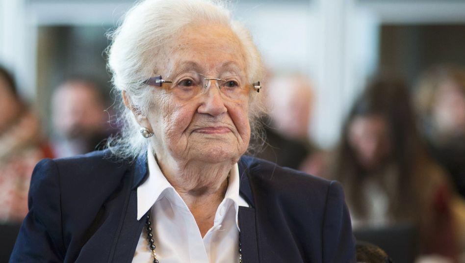Erna de Vries: Sie bat die Gestapo, mit ihrer Mutter nach Auschwitz fahren zu dürfen