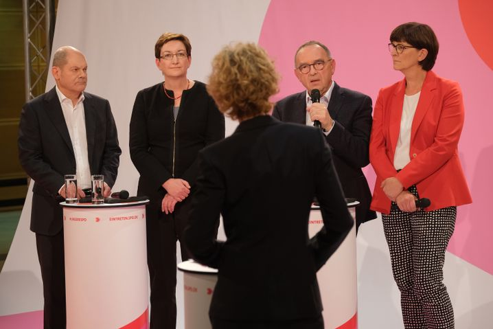SPD-Kandidaten Olaf Scholz, Klara Geywitz, Norbert Walter-Borjans, Saskia Esken: Klare Alternative