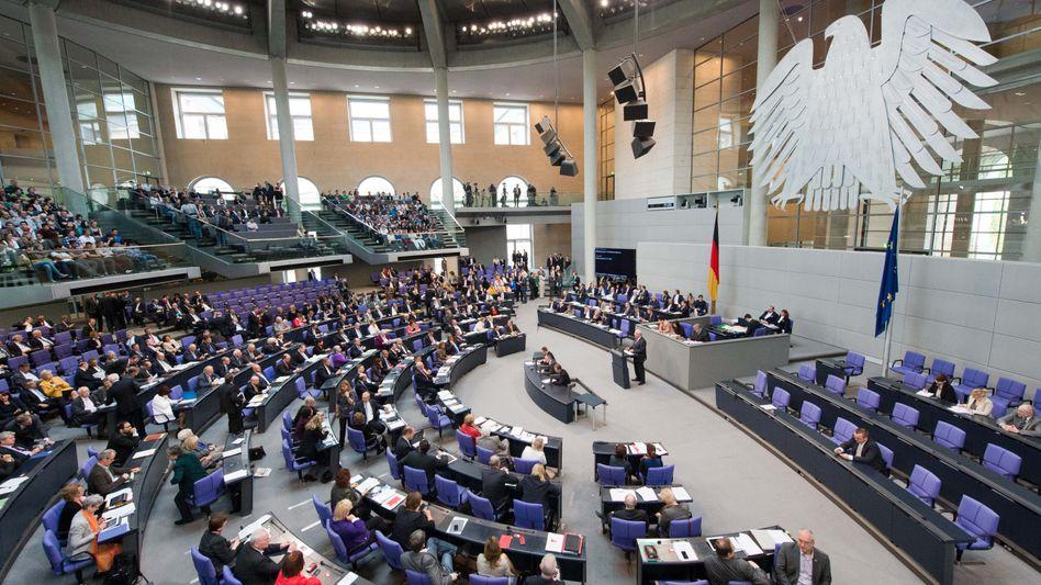 Bundestag in Berlin: Union, FDP, SPD und Grüne lehnen Linken-Antrag ab