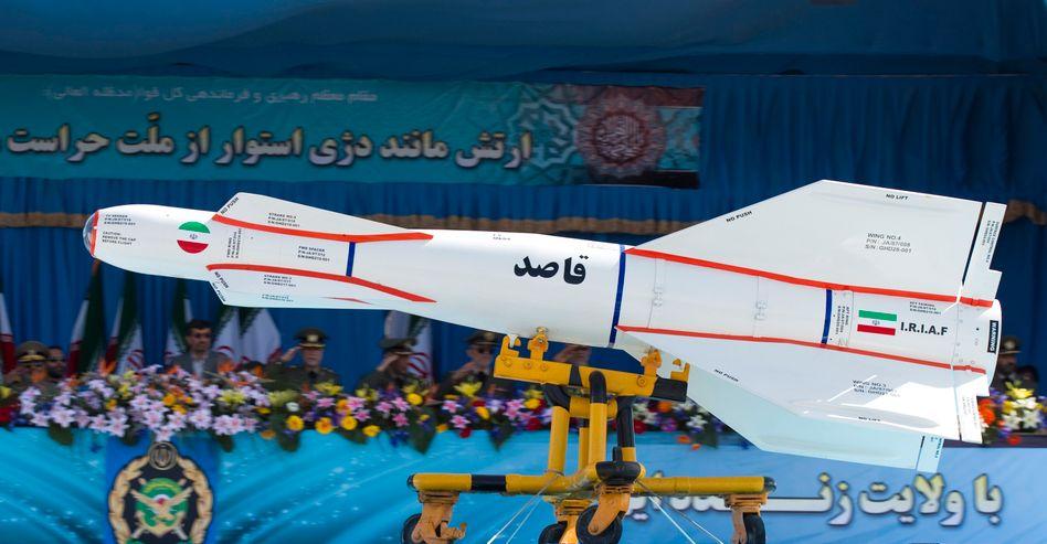 """Militärparade in Teheran: """"Sie wollen uns hier raushaben"""""""