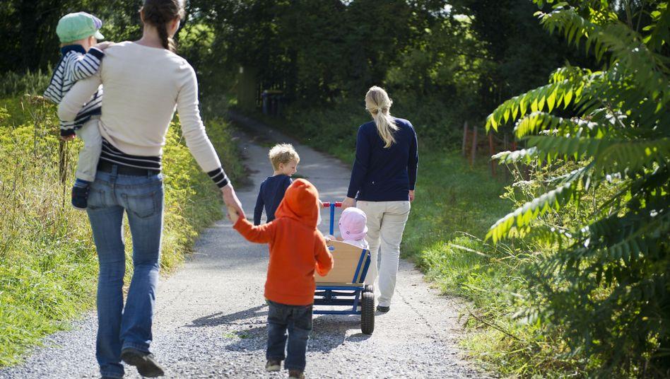 Mütter mit Kindern in Ratingen: Immer wieder Streit um das Betreuungsgeld
