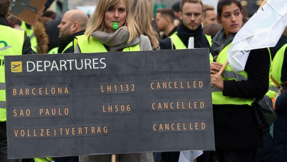 UFO-Demonstration am Flughafen in Frankfurt