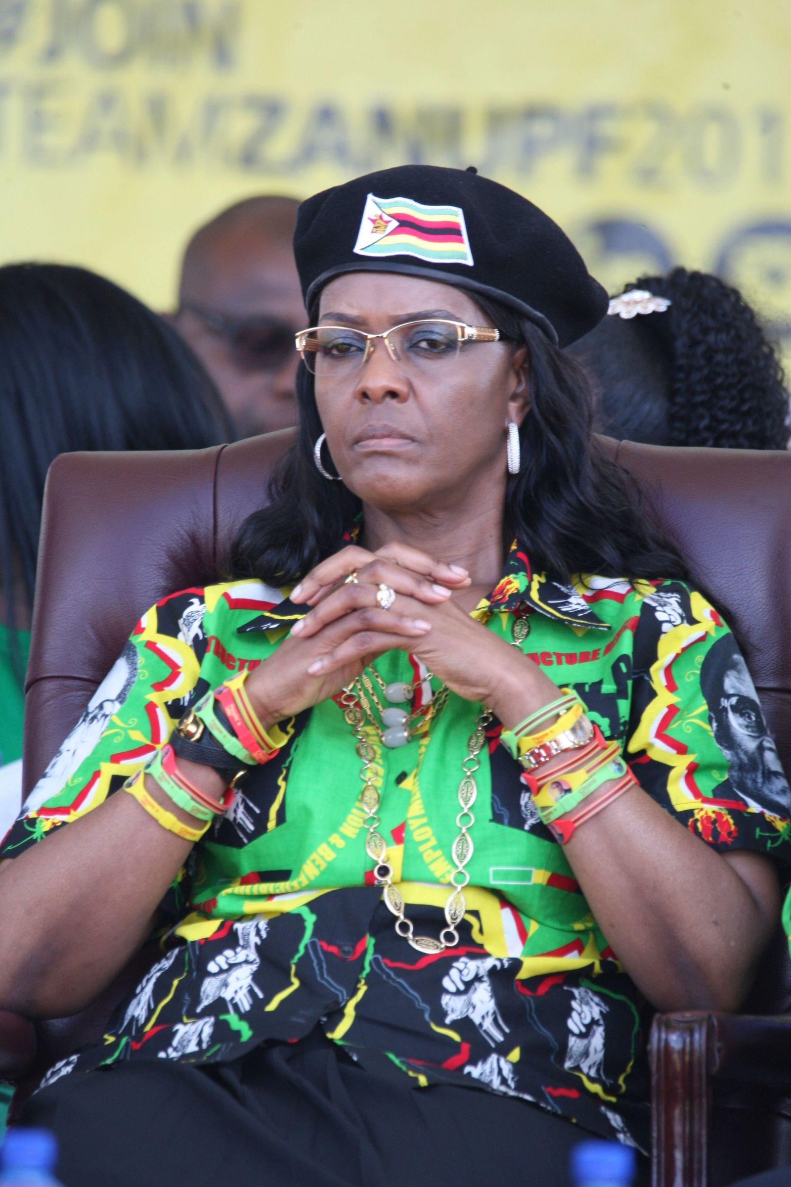FILES-ZIMBABWE-POLITICS-PARTY