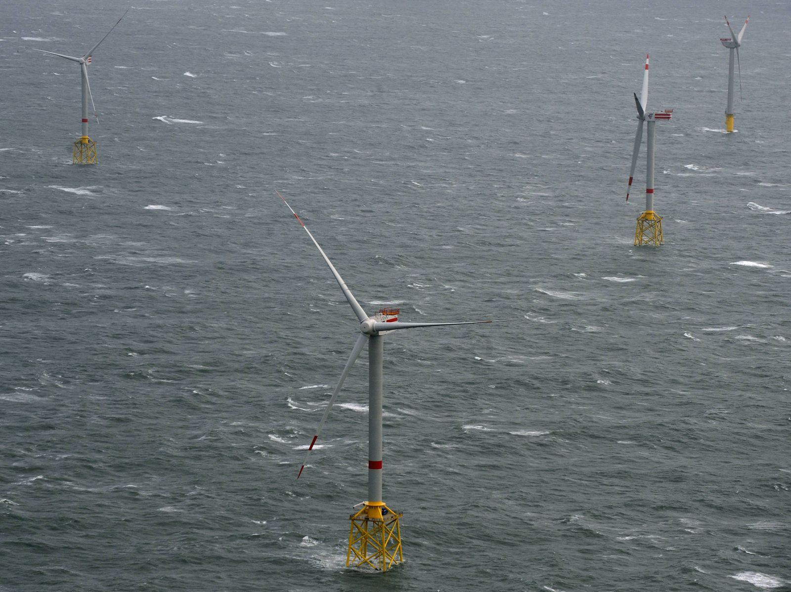 """NICHT VERWENDEN Offshore-Windpark """"Alpha ventus"""""""