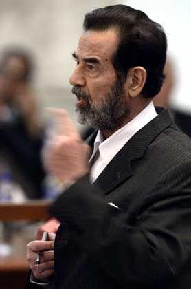 """Ex-Diktator Saddam Hussein: """"Wie kann ich mich verteidigen?"""""""