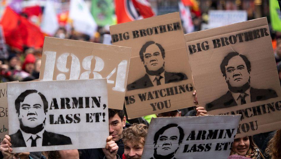 Demo gegen das geplante Landespolizeigesetz in Düsseldorf