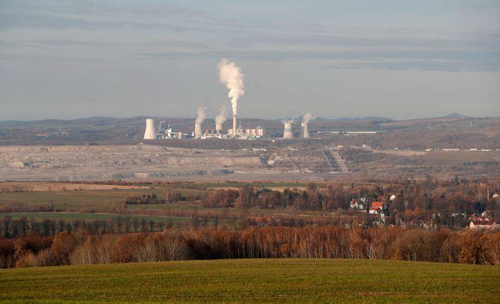 Braunkohletagebau und dazugehöriges Kraftwerk Turow: Tschechien klagt gegen Absenkung des Grundwassers, Lärm und Luftverschmutzung