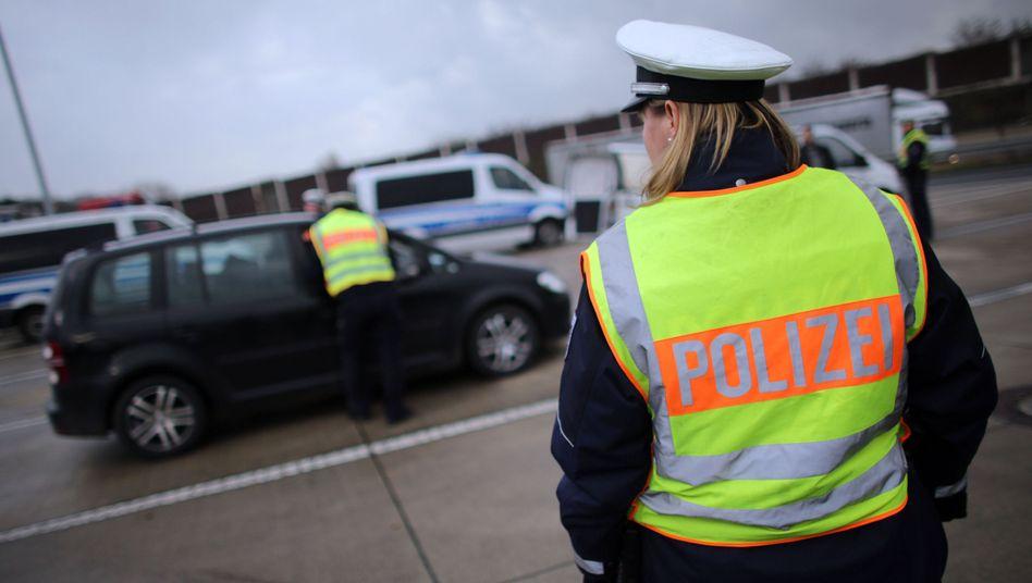 Verkehrskontrolle auf der Autobahn: Großeinsatz gegen Einbrechrecherbanden