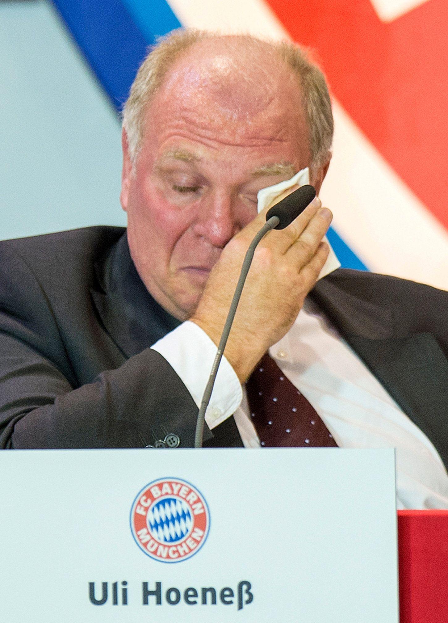 Uli Hoeneß Weint